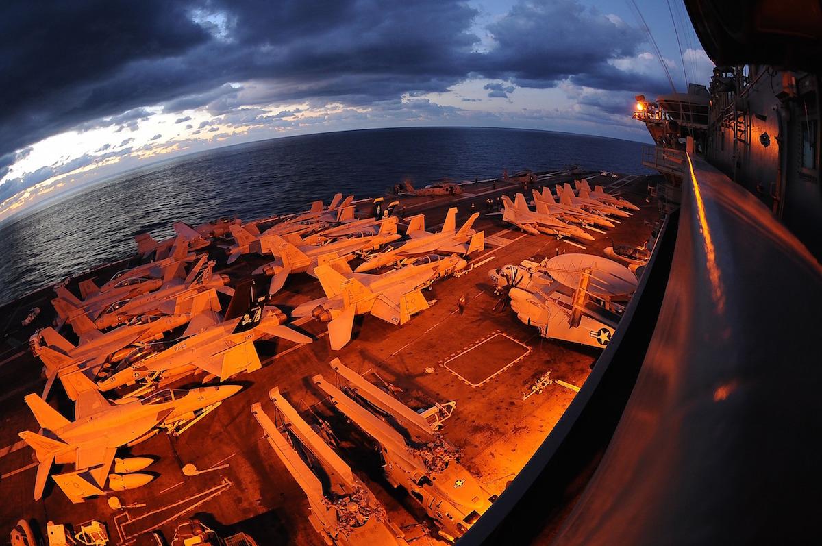 乱世の海外投資術。世界の軍事関連企業株を取引する