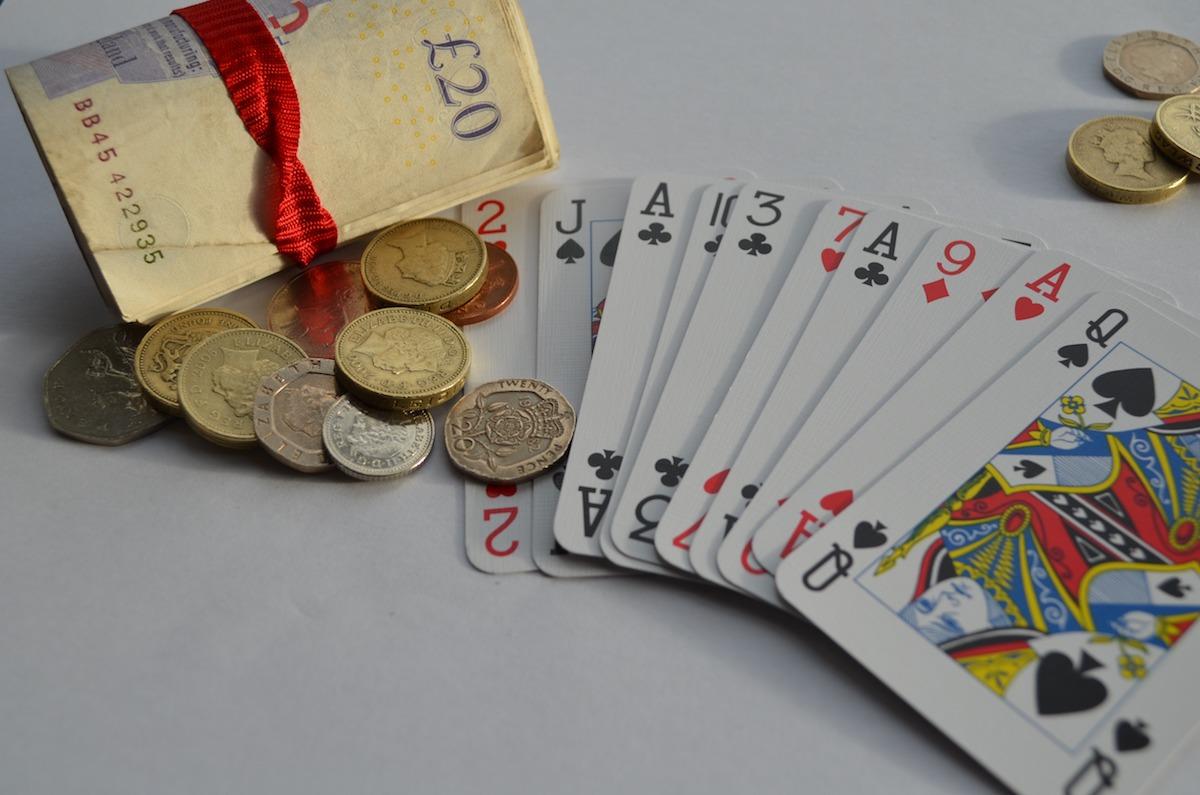投資家が犯す不合理な判断「行動ファイナンス」を克服する