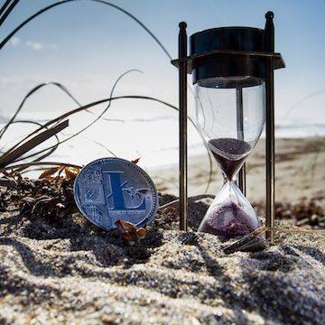 beach-bitcoin-coin-1108191