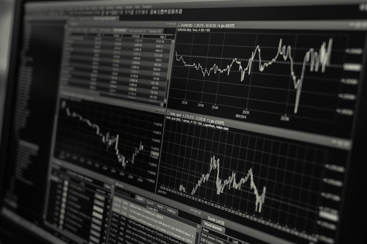 恐怖指数(VIX)を使って利益を得る方法
