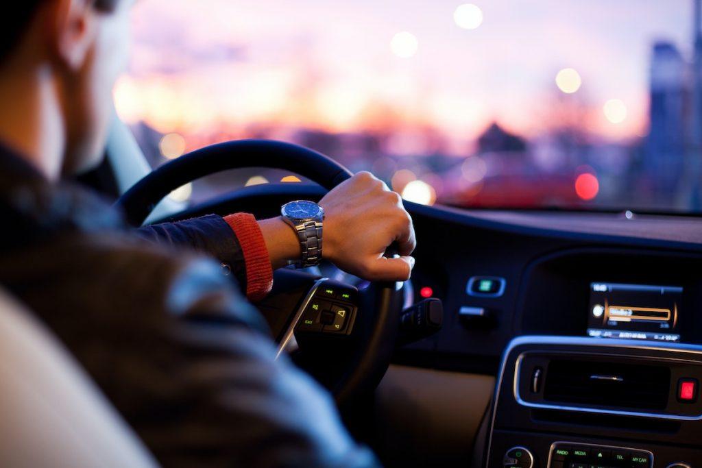 最新テクノロジーに投資する:自動運転技術編